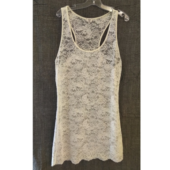 Aritzia Wilfred MADELINE Lace Racerback Top